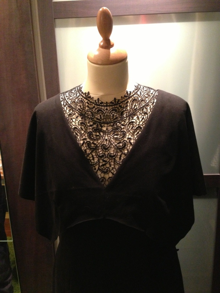 robe col dentelle 2