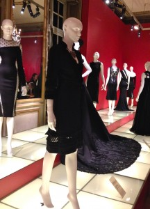 Little Black Dress au Mona Bismark