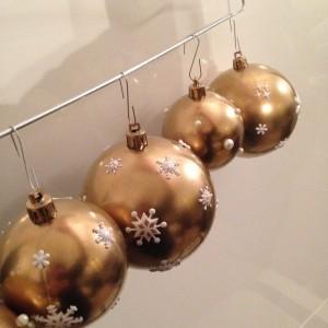 boules de noel dorées DIY